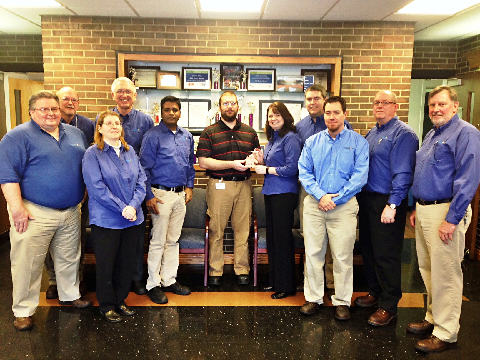 GKN's 2013 Salem team with Nexteer's Perfect Quality Award.